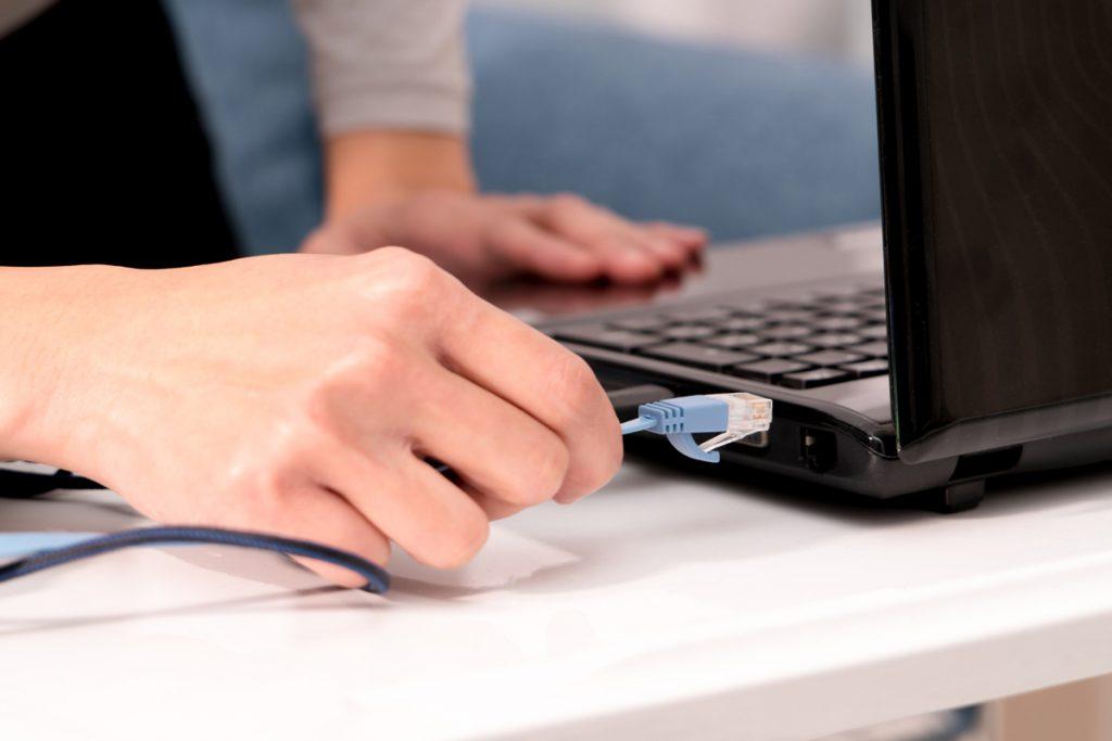 Welke Feiten Moet Je Eens Doornemen Over Internet En Televisie In Deze Tijd? Bekijk Het Hier In Dit Artikel!